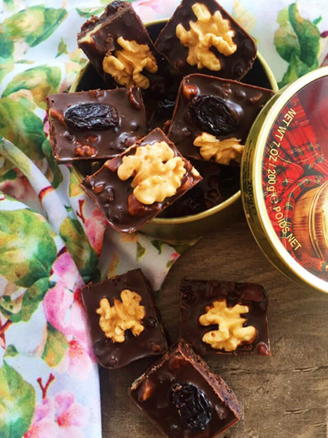 Cách làm socola từ bột ca cao đơn giản tại nhà cho ngày lễ tình yêu